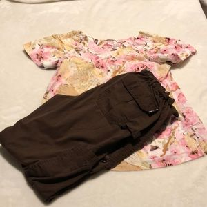 KOI scrubs set.pants and shirt.size small.Lot A2